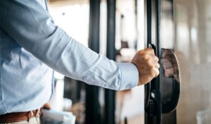 "Best Ways for Managers to Execute an ""Open Door Policy"""